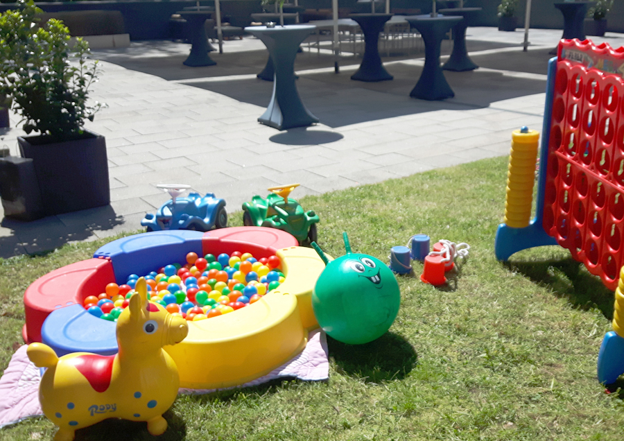 Steffis-Hits-for-Kids_Galerie_Spiel-Equipment