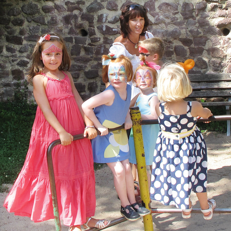 Steffis-Hits-for-Kids_Kinderanimation_Drehkreuz_Quadrat